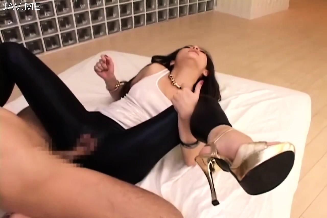 секс с японкой в леггинсах